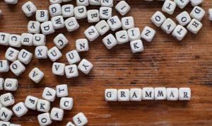 học sinh VIệt Nam trong suốt những năm học phổ thông chủ yếu học ngữ pháp
