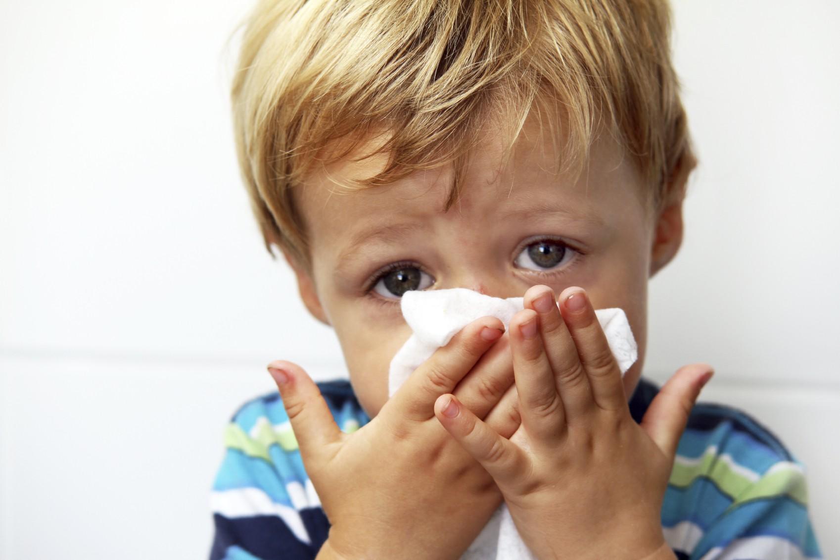 Chăm sóc trẻ mùa lạnh - Mùa lạnh trẻ thường gặp các bệnh về đường hô hấp
